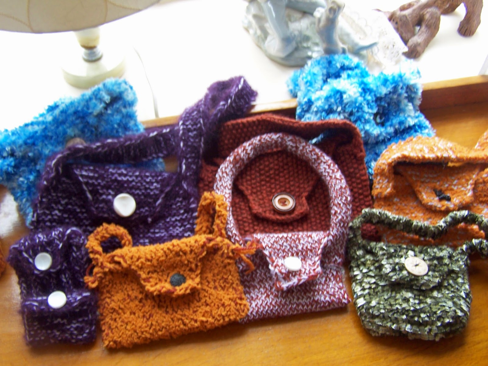 knitting: bags and purses in garter stitch
