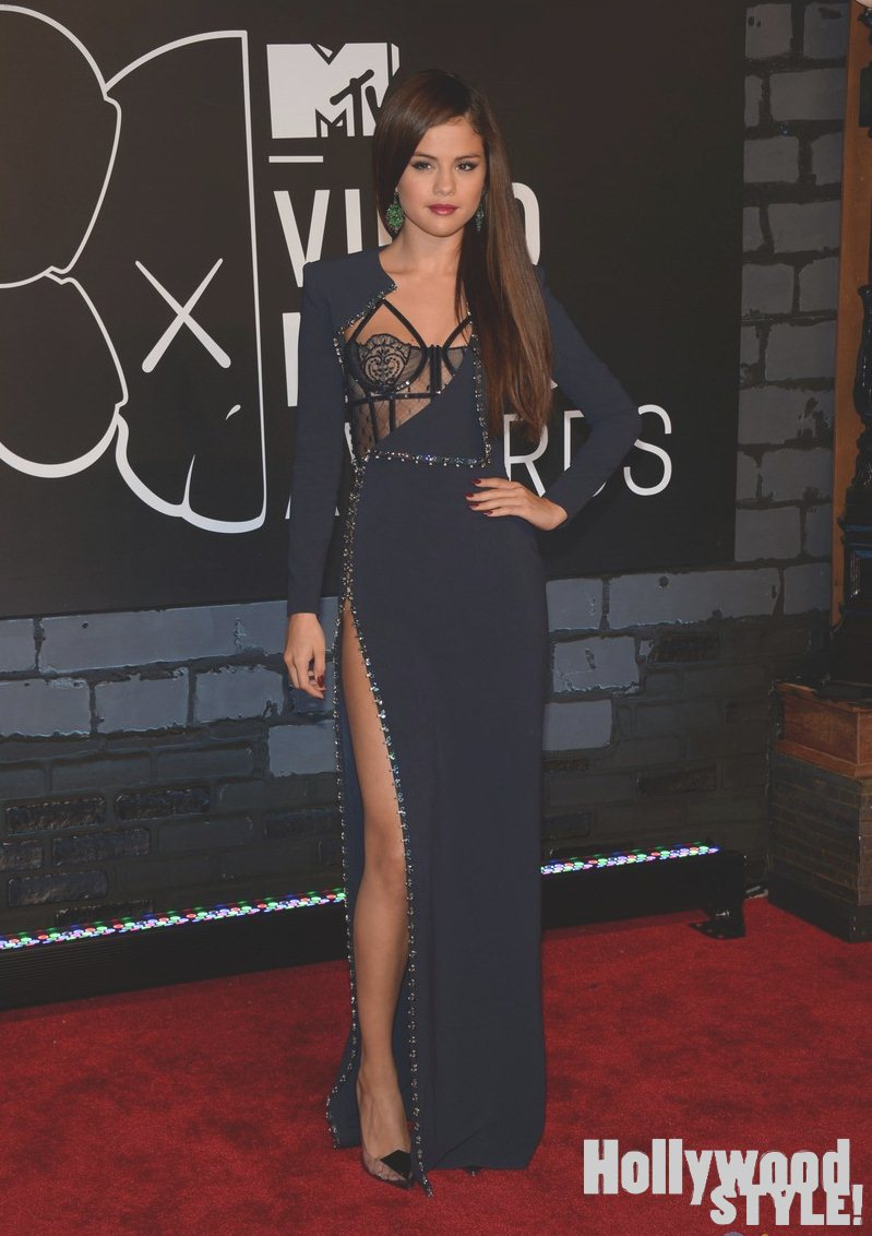 Selena Gomez: Super Sexy en la alfombra roja de los MTV Video Music ...