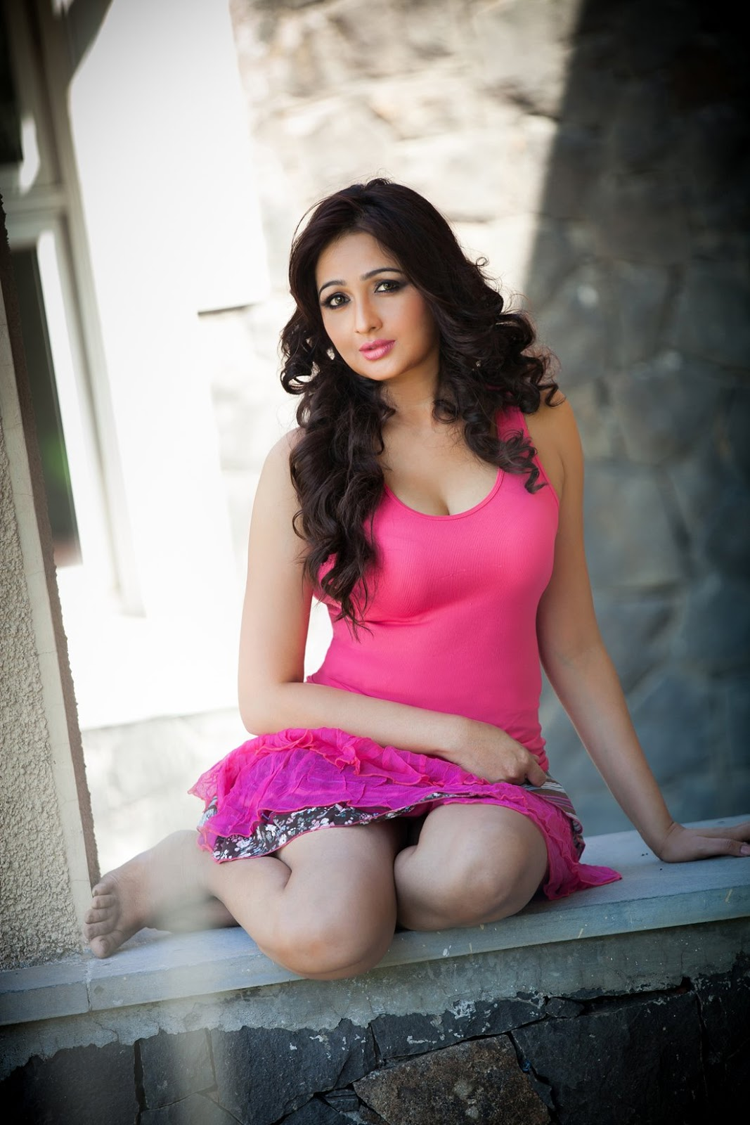 Tamil New Actress Aavaana Latest Spicy Pink Dress Images ...