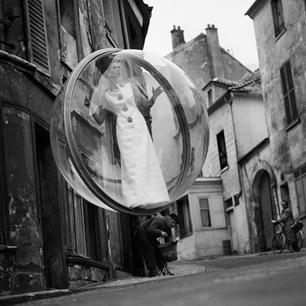 Bubble - Fotografia de moda - Melvin Sokolsky - Harper's Bazaar