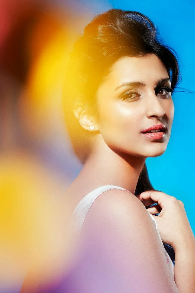 Parineeti Chopra hot backless pics