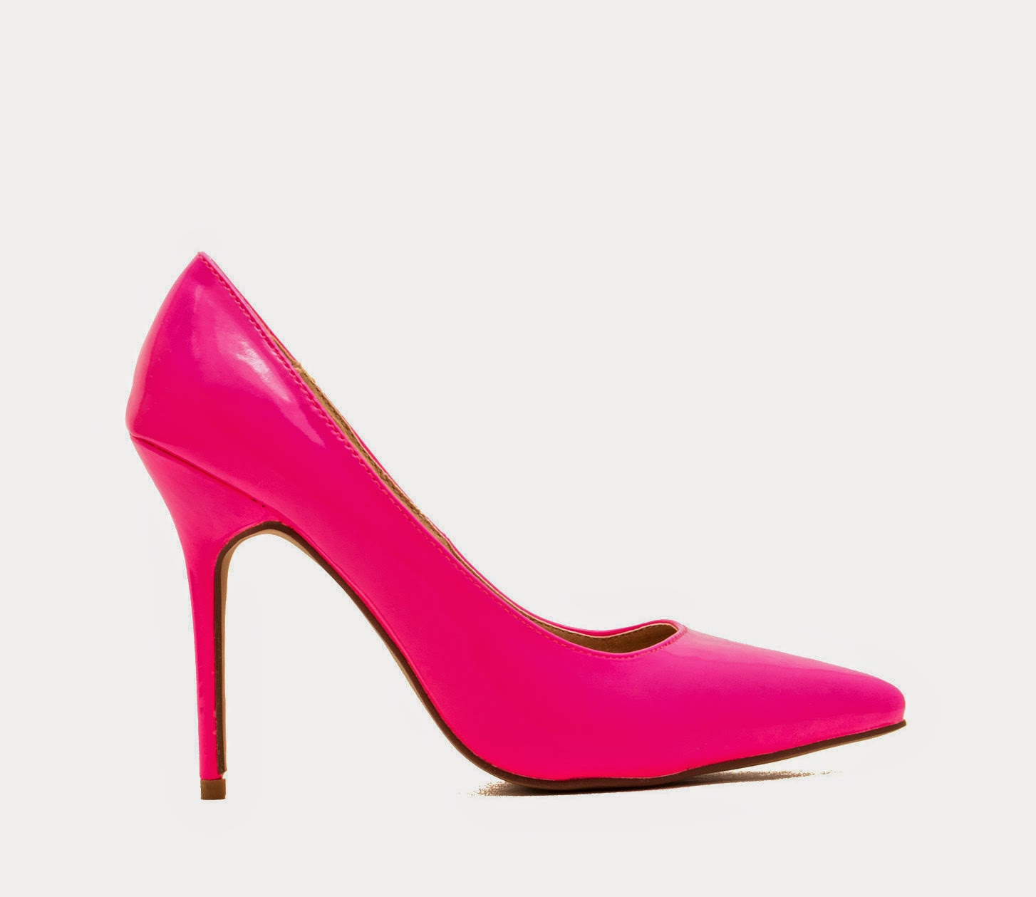 wardrobe essentials, basics,pop of colour, fuchsia pumps