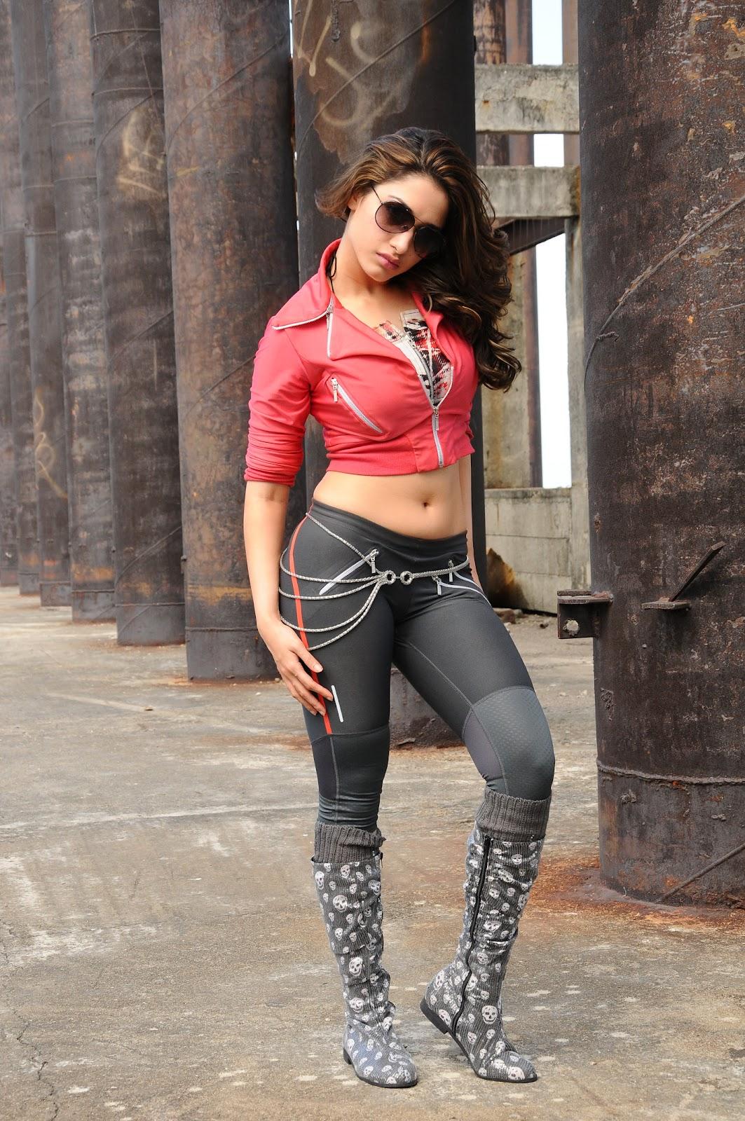 telugu hot actress tamanna dancing images | actress images