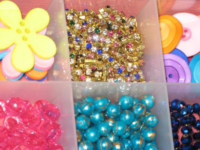 beads and buttons at Createwittyunleashed.blogspot.com