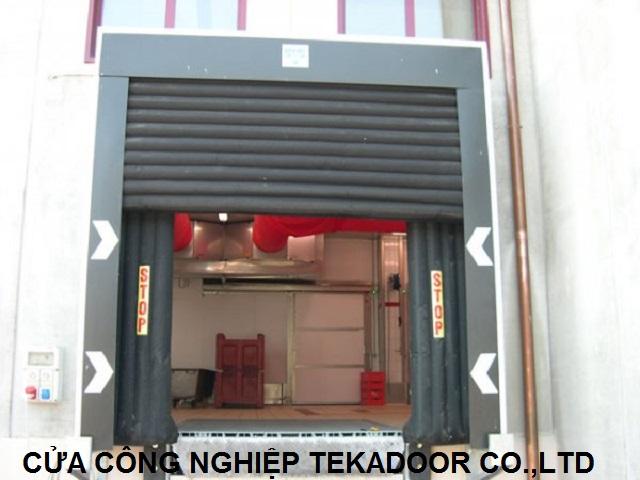 Bộ túi khí trùm xe dock shelter