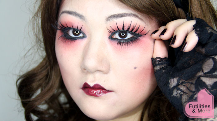 Gothic Lolita Doll For Halloween, DIY, Gothic Lolita, Doll, Halloween Costume, Halloween makeup, makeup transformation, makeup and beauty blog, asian eyes, asian monolid, single lid, makeup tutorial, makeup reviews, product reviews, cosmetics, make up, makeup, maquillage, tuto, tutorial, tutoriel, yeux, asiatique, futilitiesandmore.blogspot.com, futilities and more, futilitiesandmore, futilitiesmore