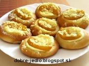 Kysnuté broskyňové koláčiky - recept