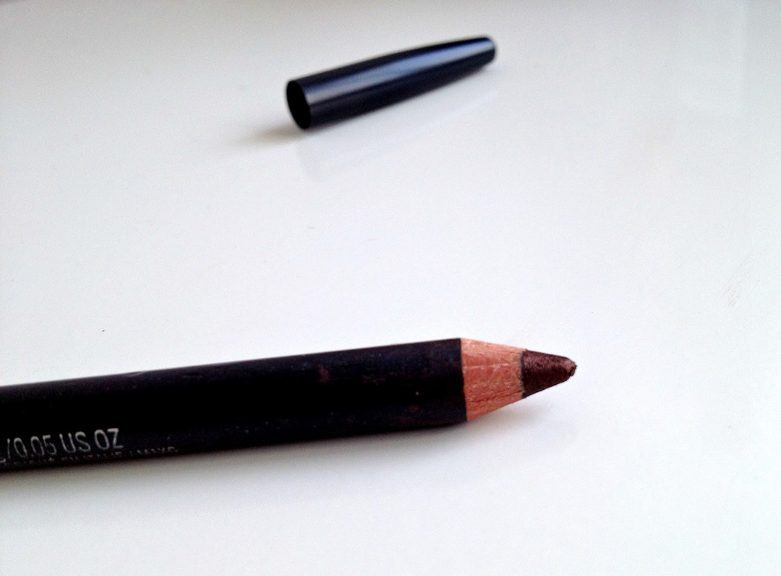 MAC Teddy Eye Liner Kohl Pencil