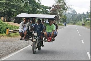http://3.bp.blogspot.com/-mmut8_7zHM4/UAeZIq5llcI/AAAAAAAAWHY/Qd4SkG0R9Uw/s320/Funny+Transport+10+-+www.go4pix.info.jpg
