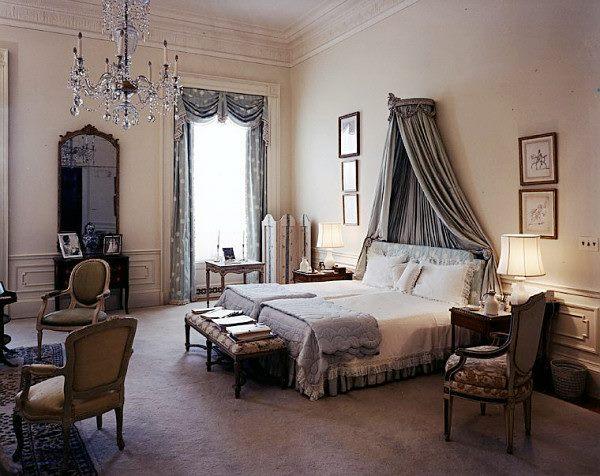 Decoracion Gotica Habitacion ~ Dormitorios en gris y plata es un color glamoroso, relacionada a la