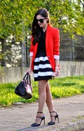 http://www.petitsweetcouture.com/2013/11/striped-skirt.html