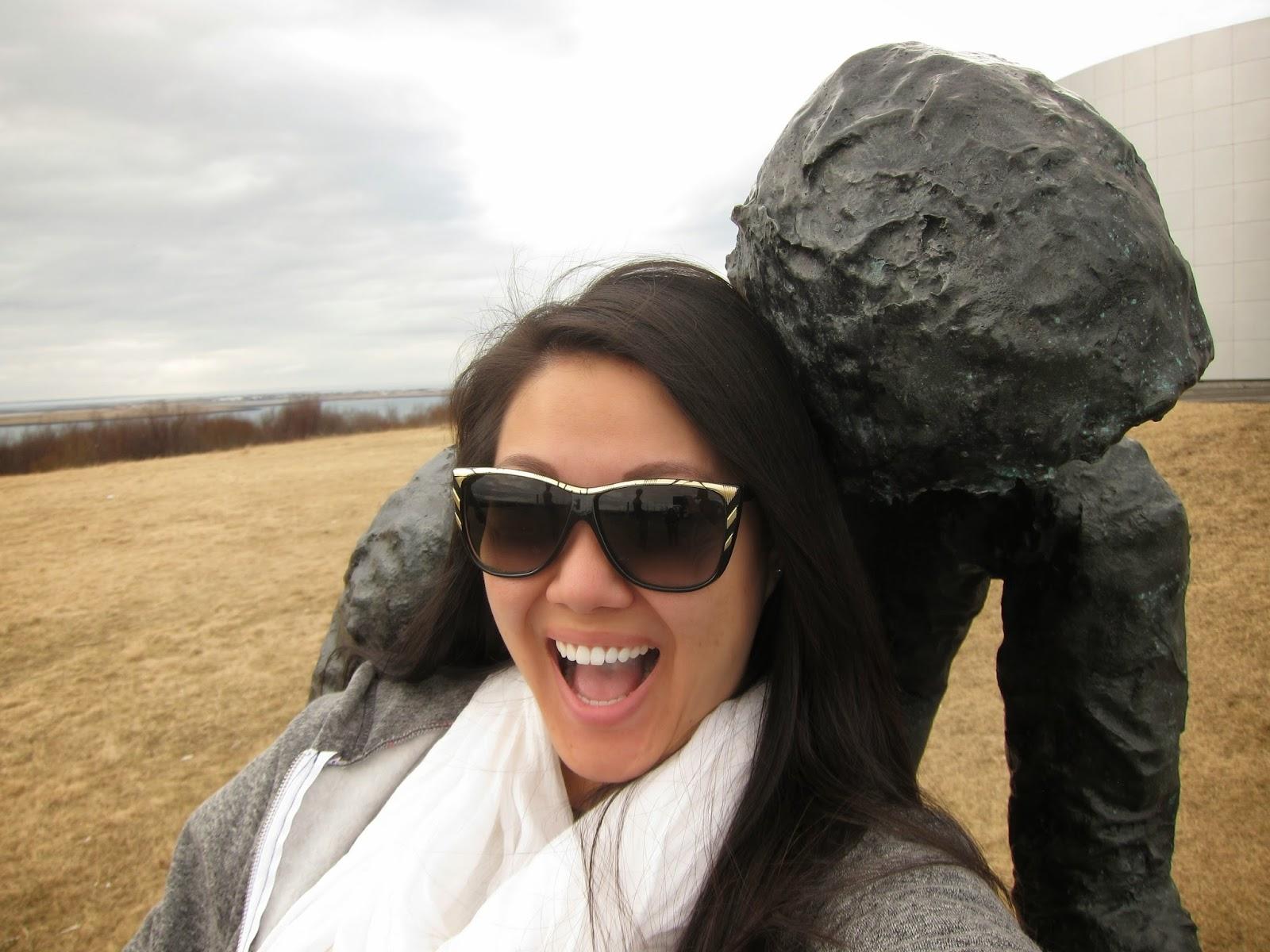 Statue selfie time