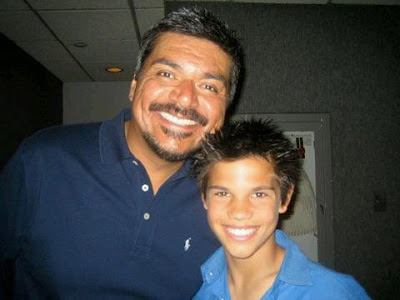Twilightsaga_FanBlog: George lopez and a young taylor lautner