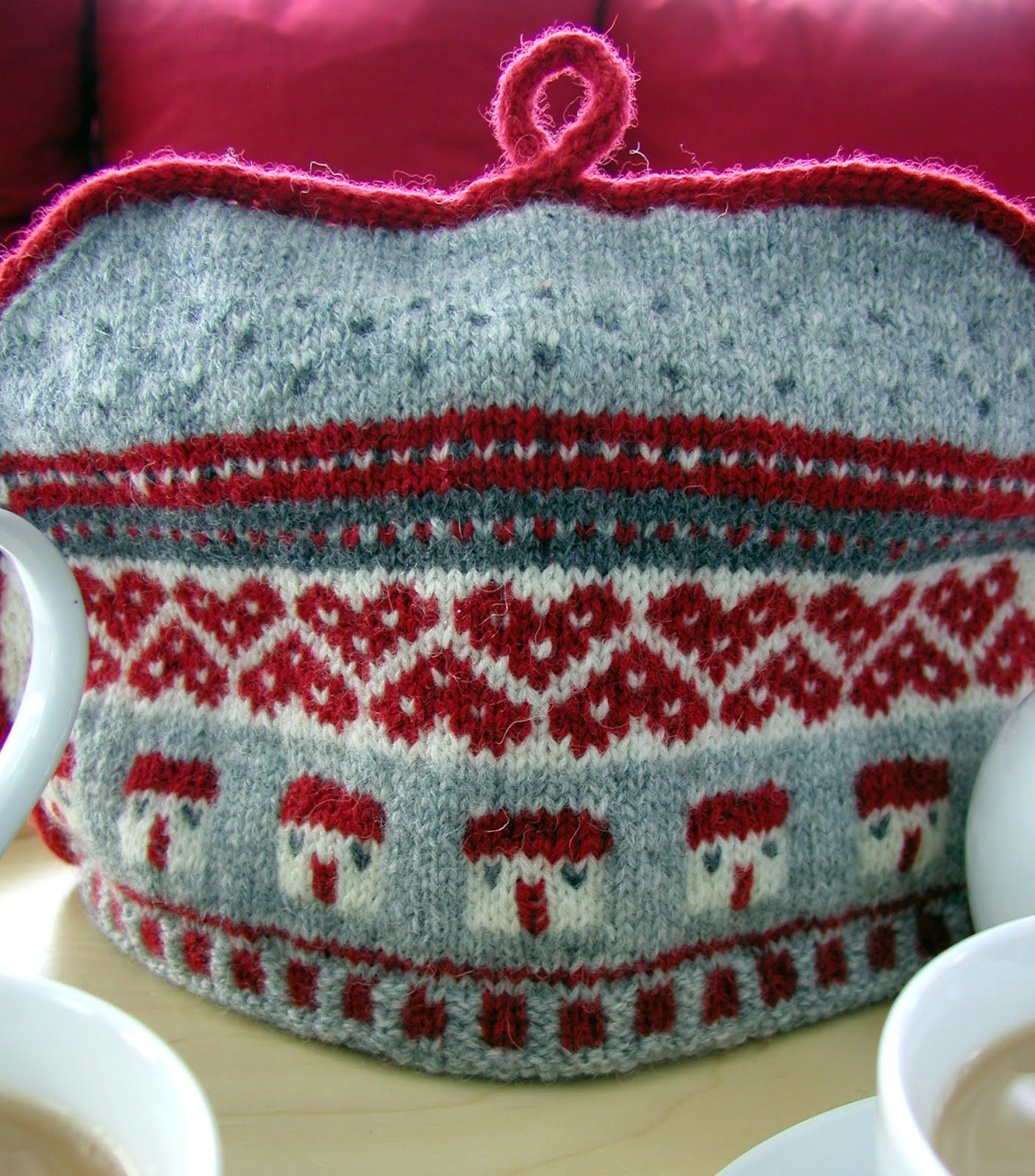 Hand Knitted Things: Tea for Two?