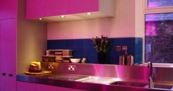 Paredes color fucsia cocinas modernas - Cocinas rosa fucsia ...