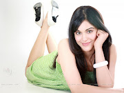 ARTIS CANTIK BOLLYWOOD = ADAH SHARMA