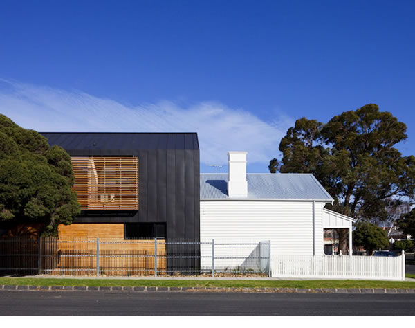Zinc weatherboards new work by simon couchman for Modern zinc houses
