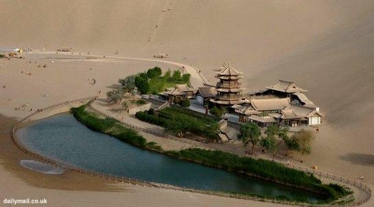 Woww ! Oasis Indah Ini Sudah Berusia 2.000 Tahun