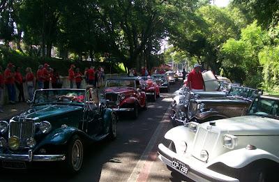 Os carros que chegavam em Piracicaba estacionavam em 45 graus numa alameda lindeira ao rio que dá nome à cidade.