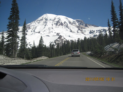 Yaomin Peng 彭耀民 on the way to Mount Rainier@peterpeng210.blogspot.com