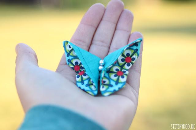 stitchydoo: DIY | Viele bunte Origami-Schmetterlinge aus Stoff