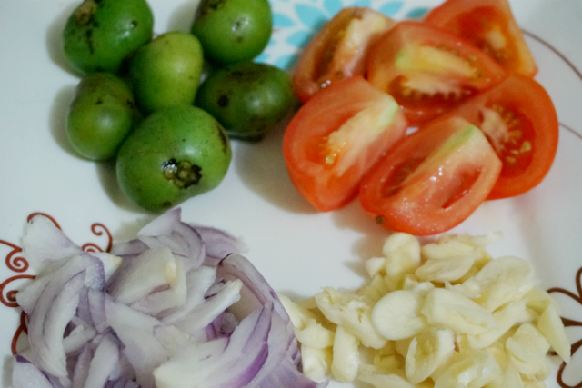 Batwan, Tomatoes, Onion and Garlic