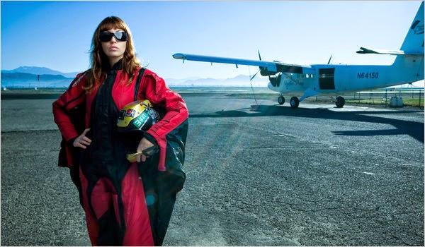Roberta Mancino skydiving