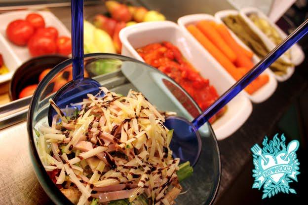 freshly made salads: Prosciutto cotto, zucchine, grana e pomodori secchi