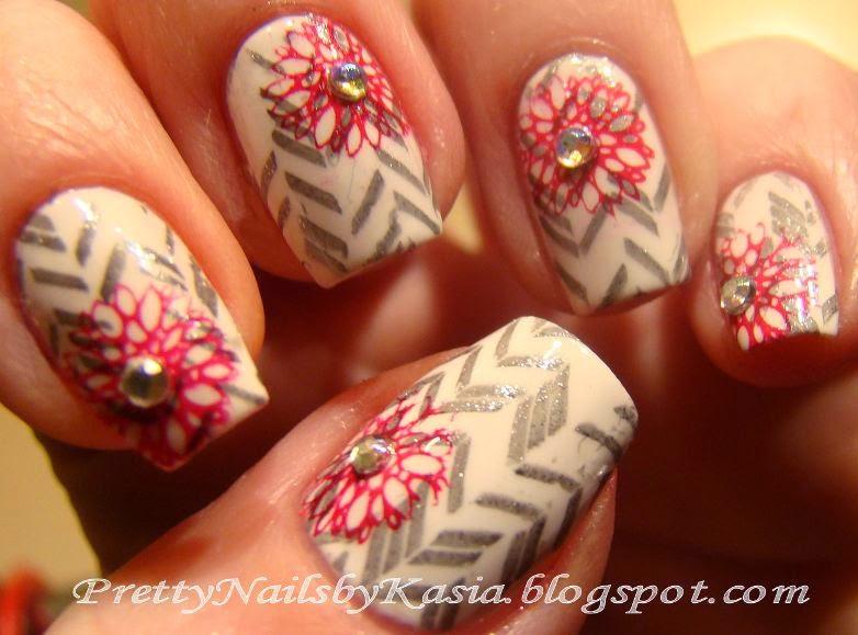 http://prettynailsbykasia.blogspot.com/2014/12/zbiorowe-malowanie-ii-tydzien-5-prezent.html