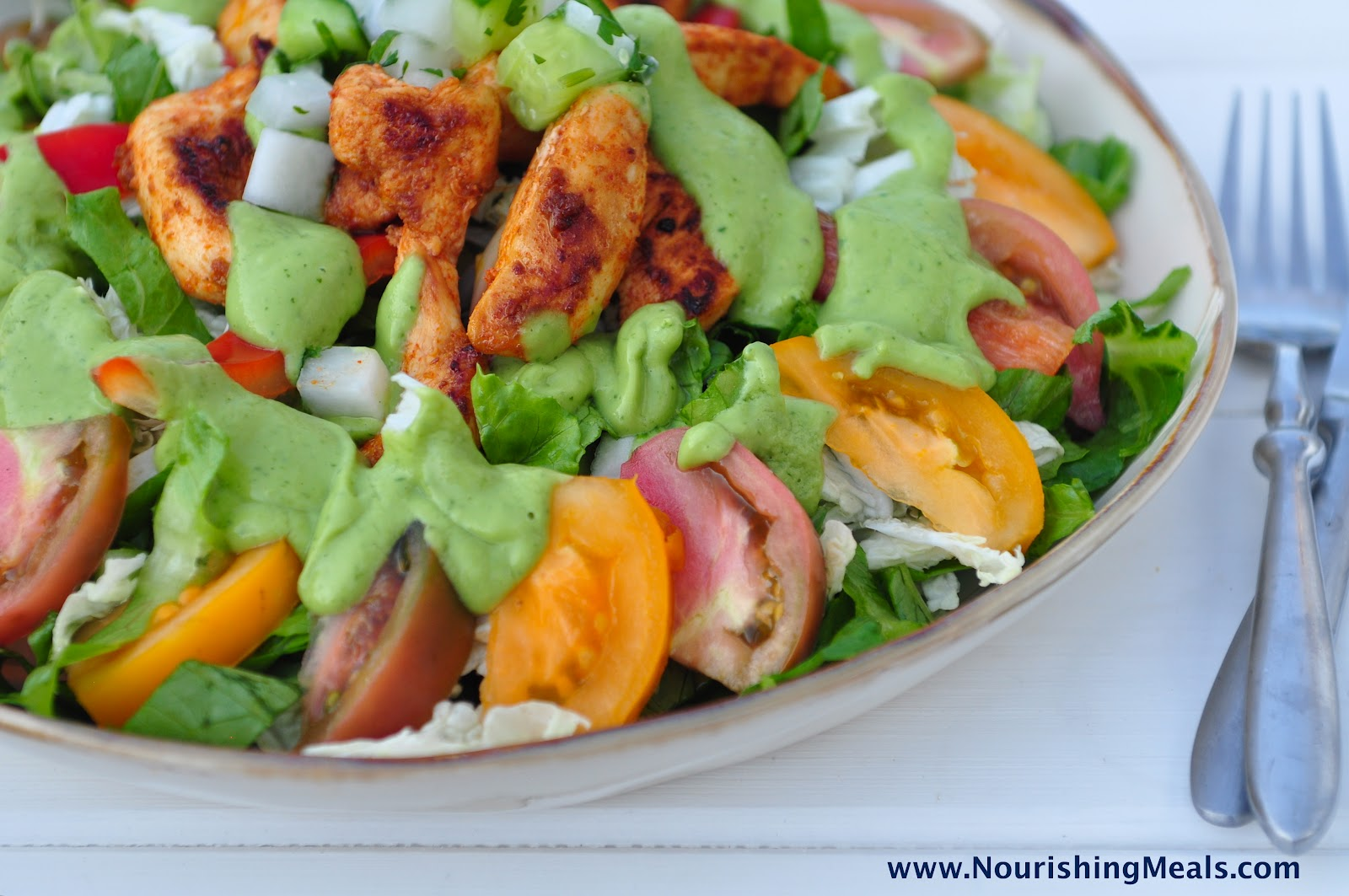 Nourishing Meals: Chicken Fajita Salad with Spicy Avocado Dressing