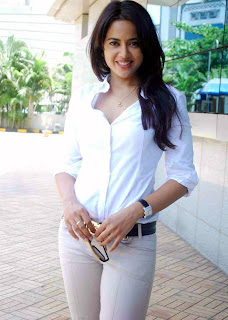 Sameera Reddy in white Shirt