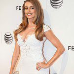 "Sofia Vergara's Hot White Dress on ""Chef"" Premiere in New York"