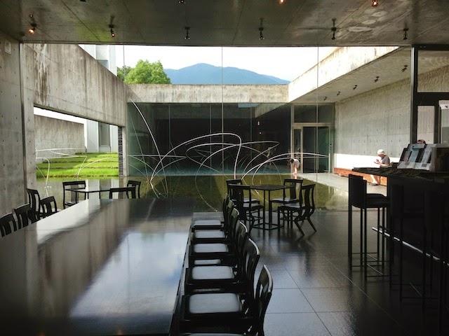奈義町現代美術館 喫茶室