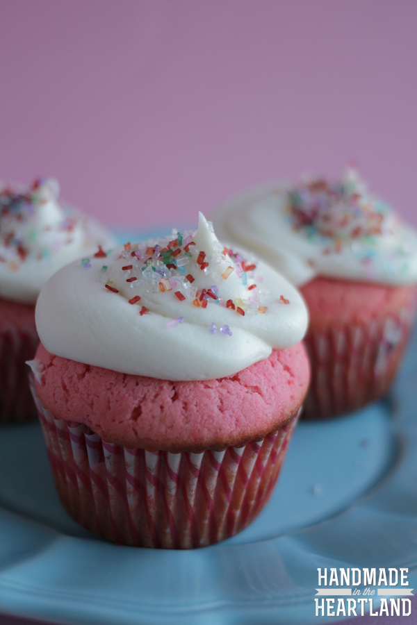 Fresh Strawberry Cupcakes with Buttercream Icing