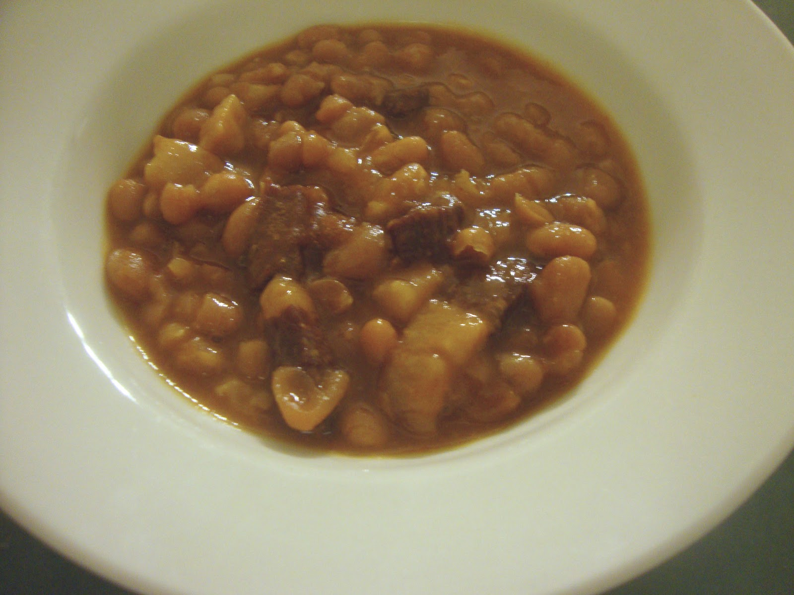 Busy Mom's Slow Cooker Adventures: Slow Cooked Baked Beans