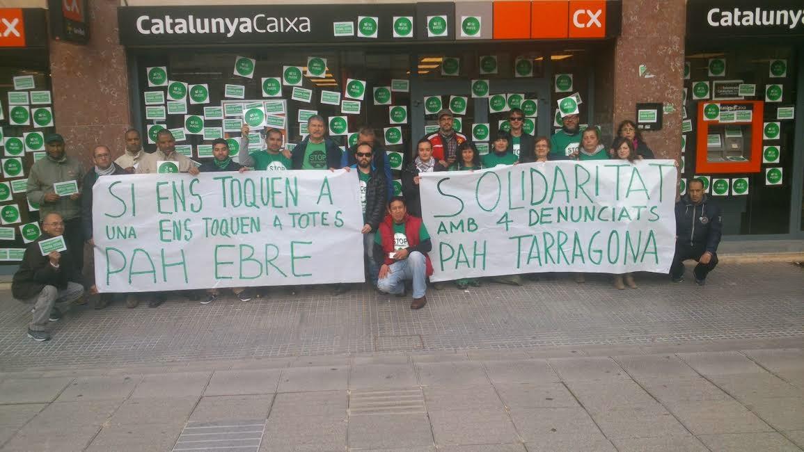 La pah ebre evita l 39 obertura de catalunya for Caixa de catalunya oficinas