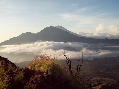 Wisata Gunung Terindah Di