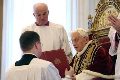 Acto de renuncia del Papa Benedicto XVI