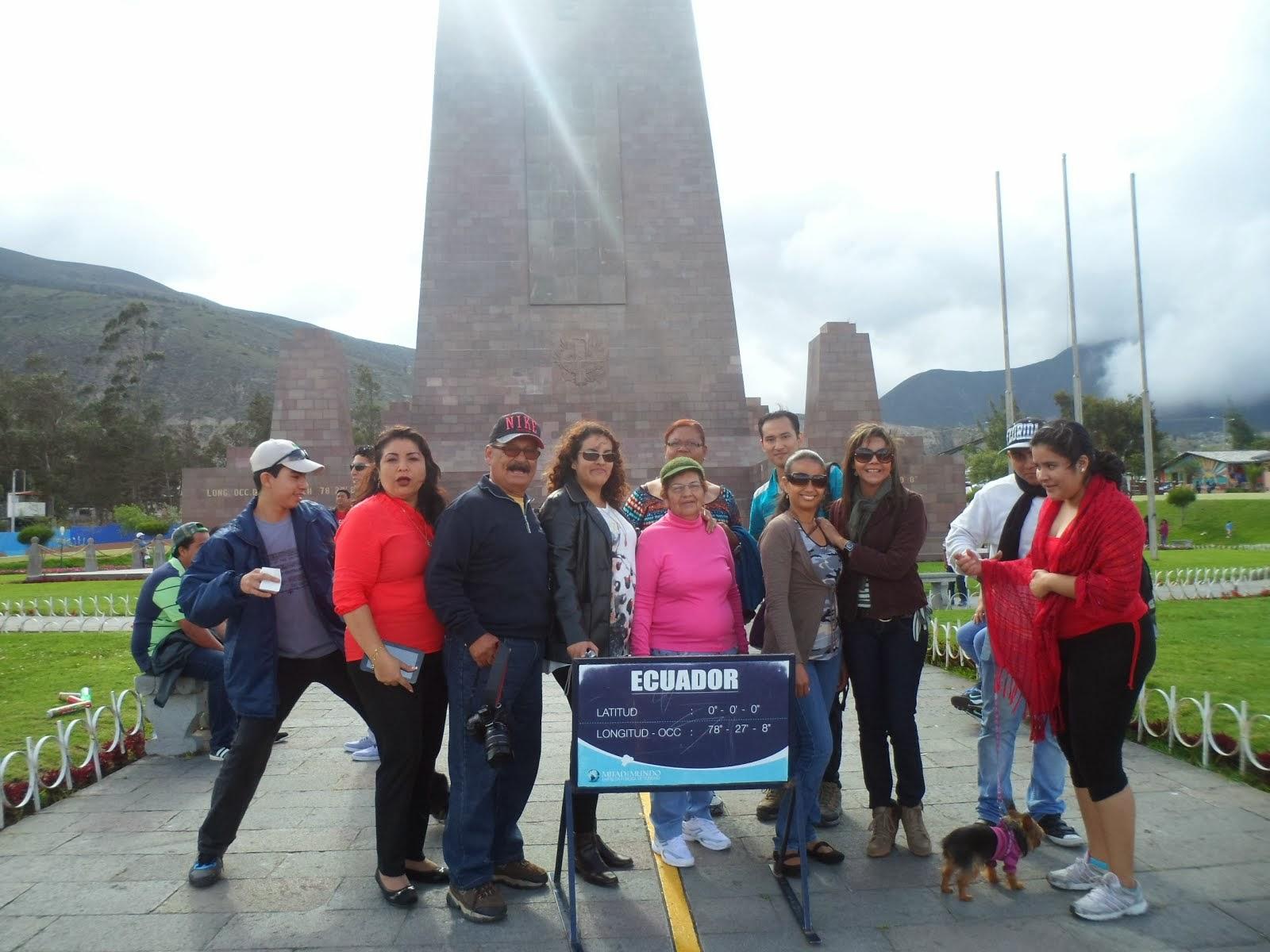 TURISTAS DE AVENTURASECUADOR VISITARON LA MITAD DEL MUNDIO
