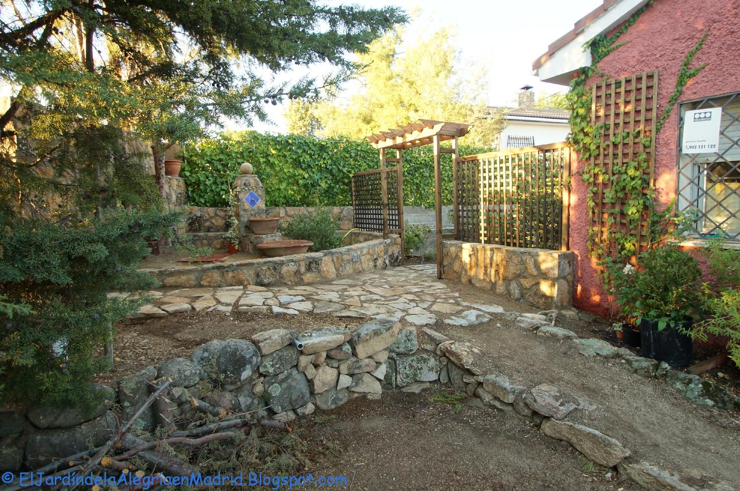 El jardín de la alegría : Construímos un arco de madera con celosías ...