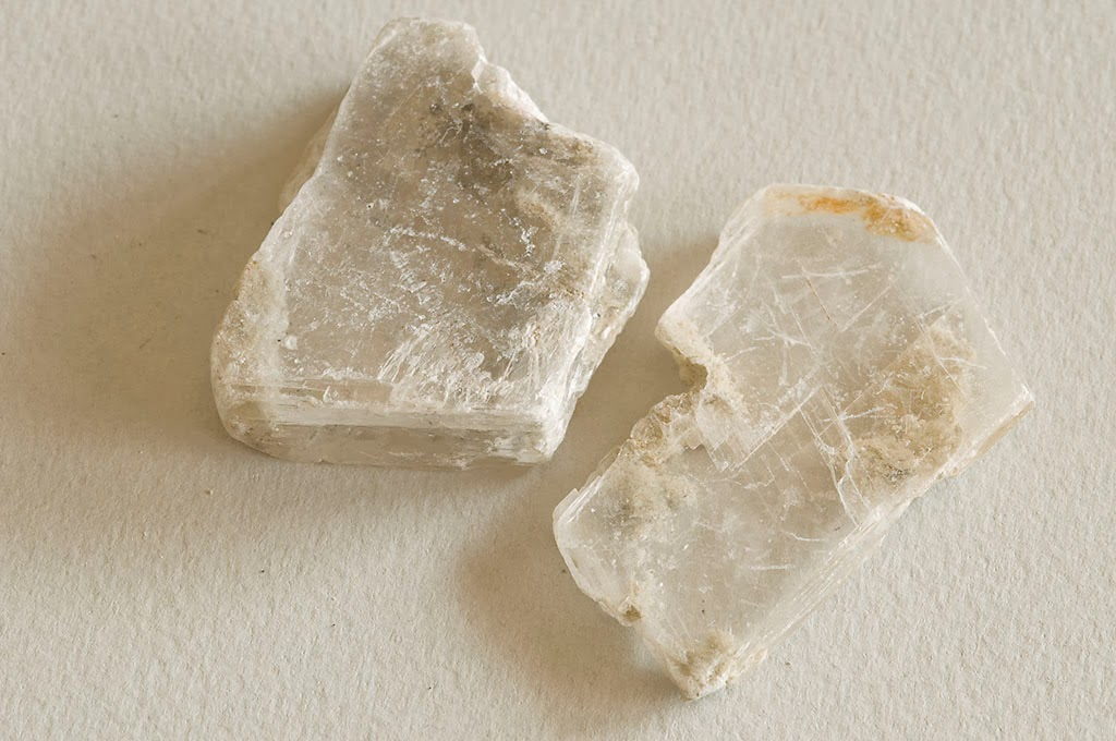 Biologia tipos de minerales yeso m rmol y granito for Marmol mineral
