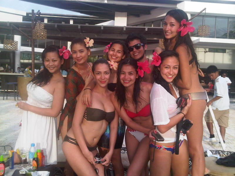 anne curtis with vaness del moral and solenn heusaff bikini pic 03