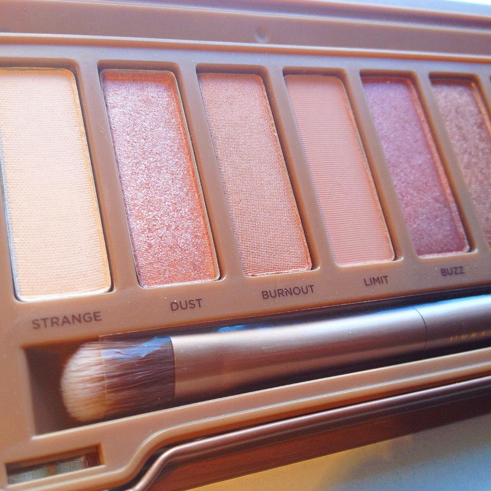 URBAN DECAY NAKED 3 PALETTE - Lily Pebbles