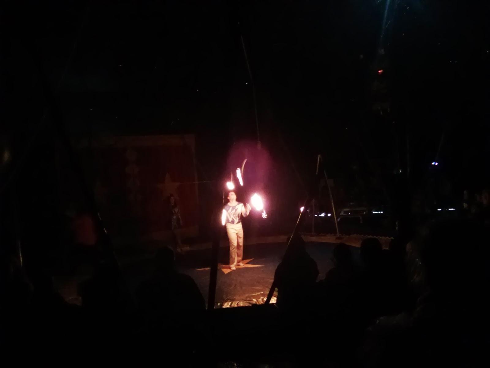 Juggler juggling fire