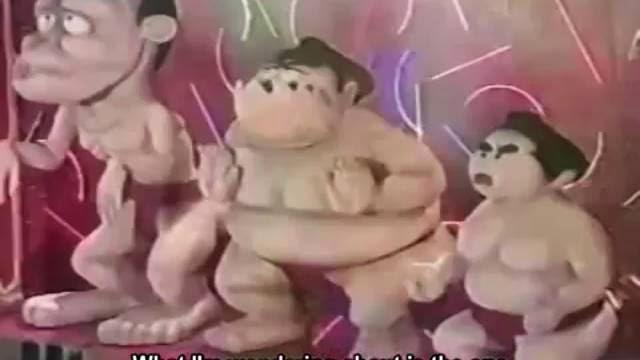 Hilarant combat de sumo géant en plâtre, décapitation et fou rire