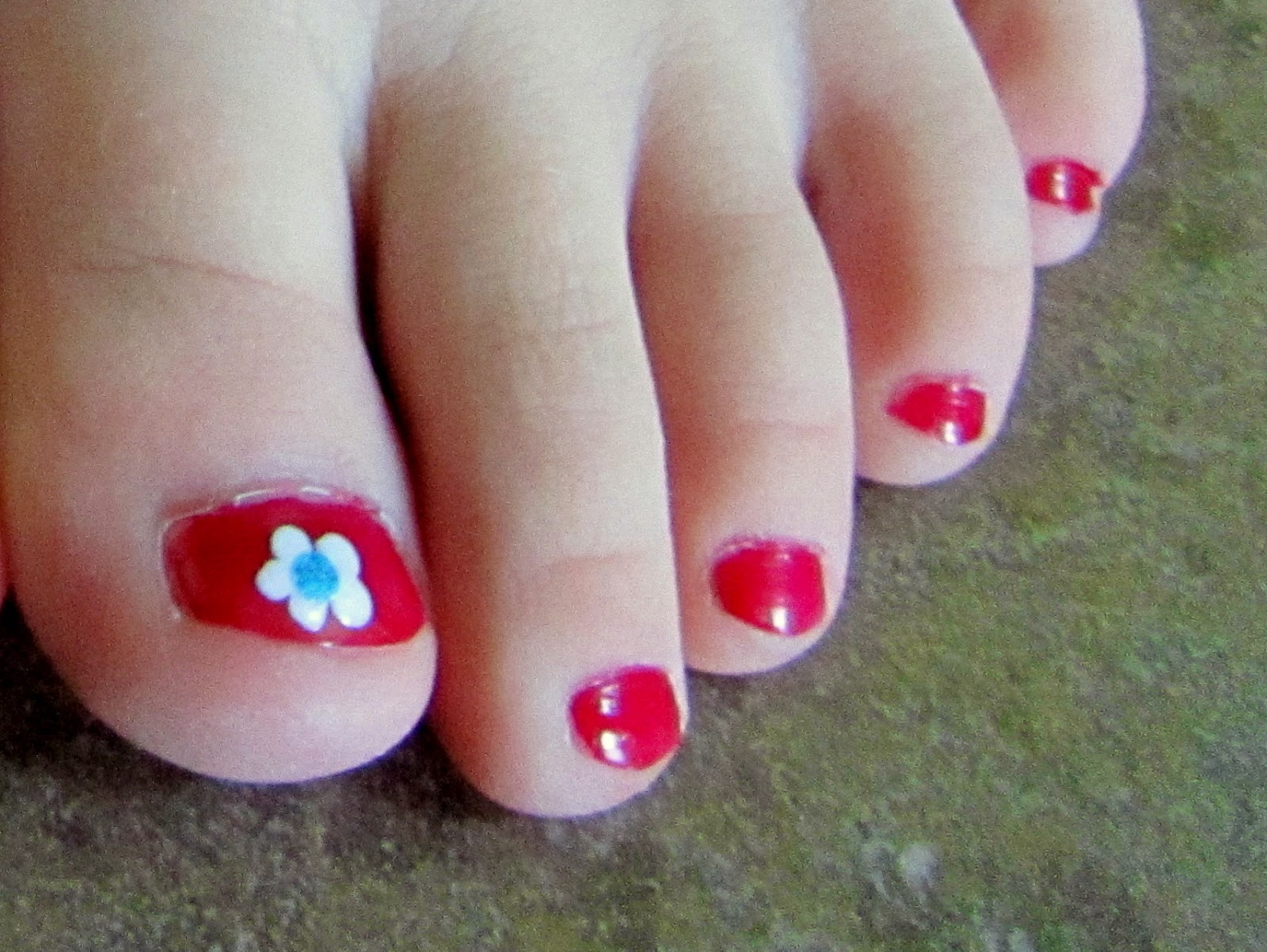 4th of July Flower Toenails | Pinning with Purpose