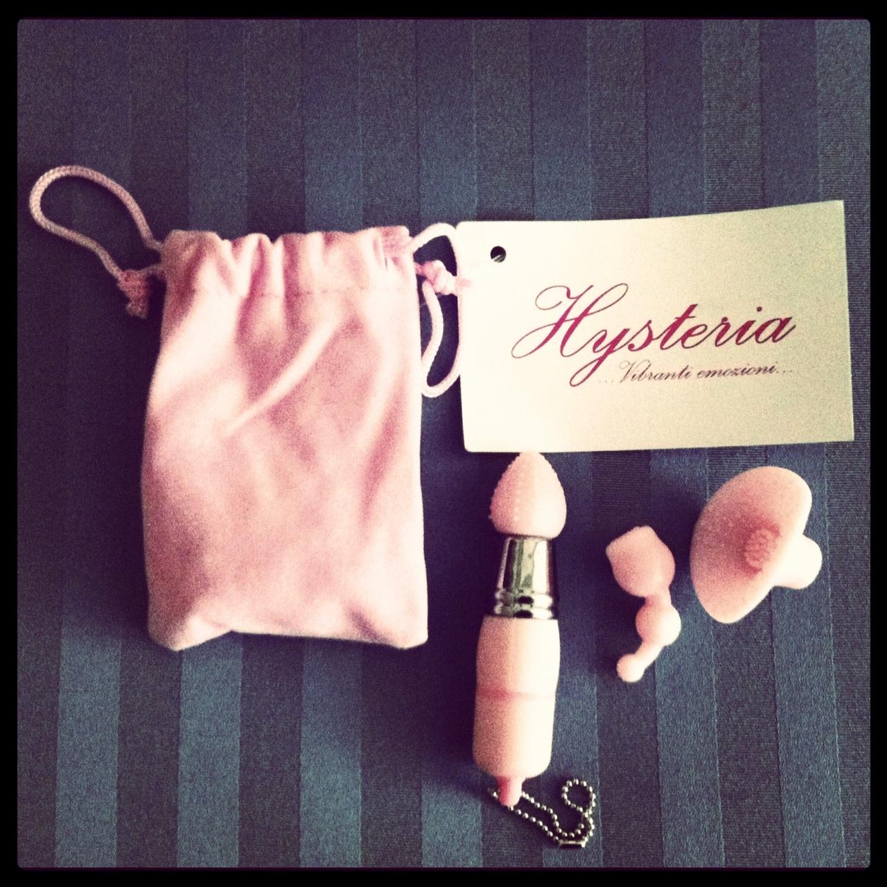 http://3.bp.blogspot.com/-mrVZ83AlaoI/T0NR_TTN4bI/AAAAAAAAGWA/VZIN08Ff4Vo/s1600/hysteria_gadget_vibratore.jpeg