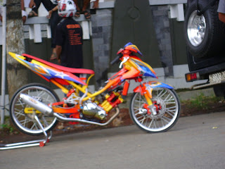 Home » Modifikasi motor » Super Modifikasi Vega Racing Look Series title=