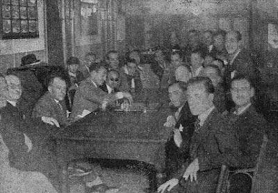 Koltanowski dando la primera conferencia-lección en el Grupo y Cultura Telefónica (Barcelona, 1936)