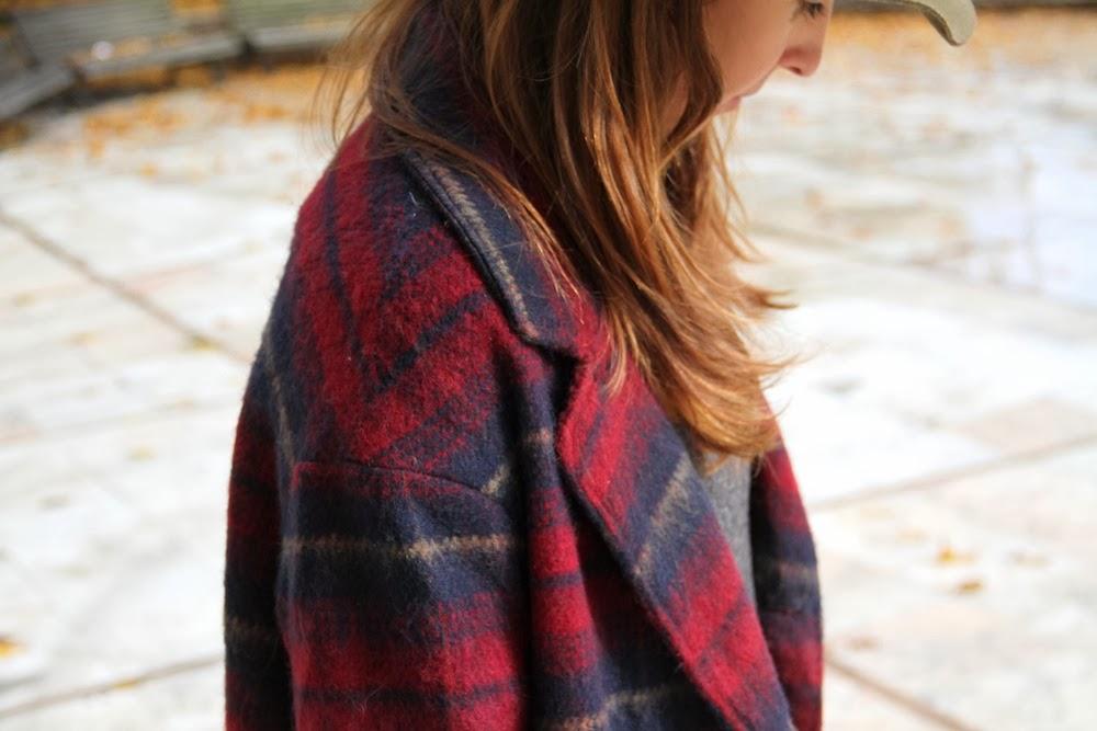 burgundy oversize coat-50379-descalzaporelparque